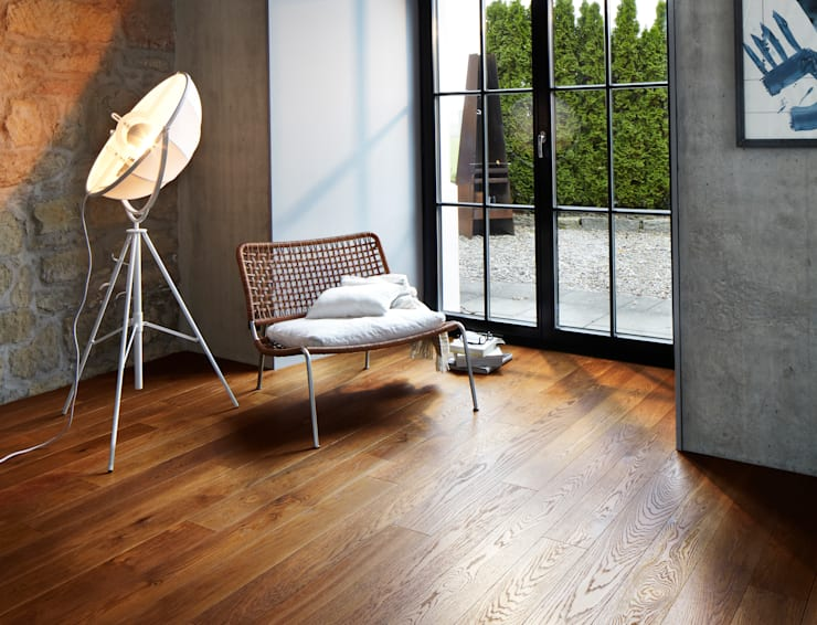 Walls & flooring by BAUWERK PARQUET