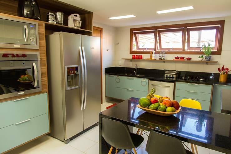 Projekty,  Kuchnia zaprojektowane przez Jamile Lima Arquitetura