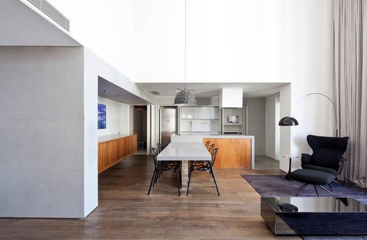 16: Salas de jantar minimalistas por Meireles Pavan arquitetura