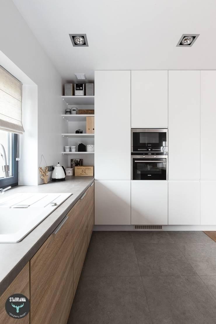 DOM – BOCHNIA: styl , w kategorii Kuchnia zaprojektowany przez stabrawa.pl,Skandynawski