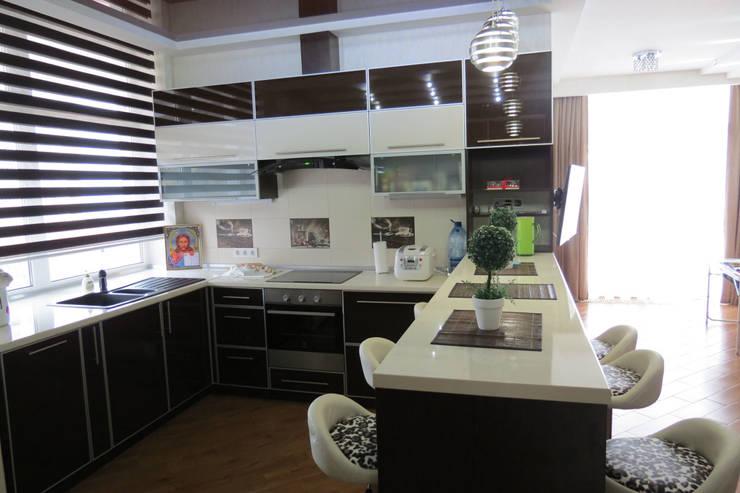 студио: Кухни в . Автор – Sweet Hoome Interiors