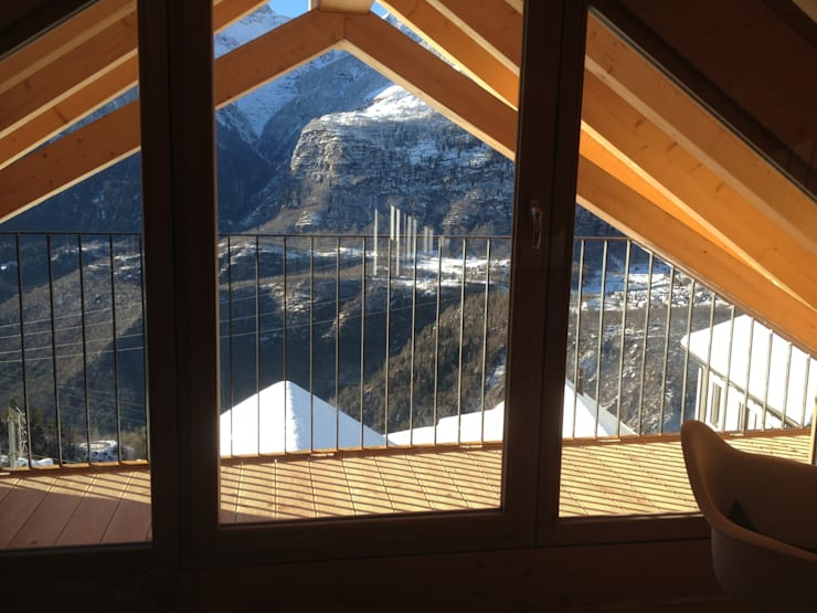 Terrasse im Dachgeschoss:  Terrasse von André Rösch Architekt