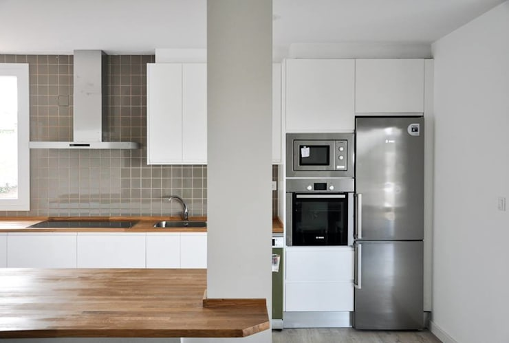 Casas Cube: modern tarz Mutfak