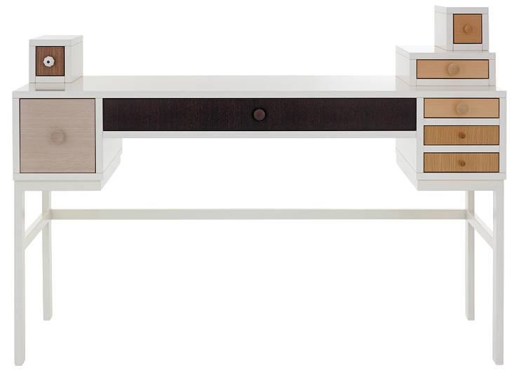 COLLECT: Dormitorios de estilo moderno de Versat