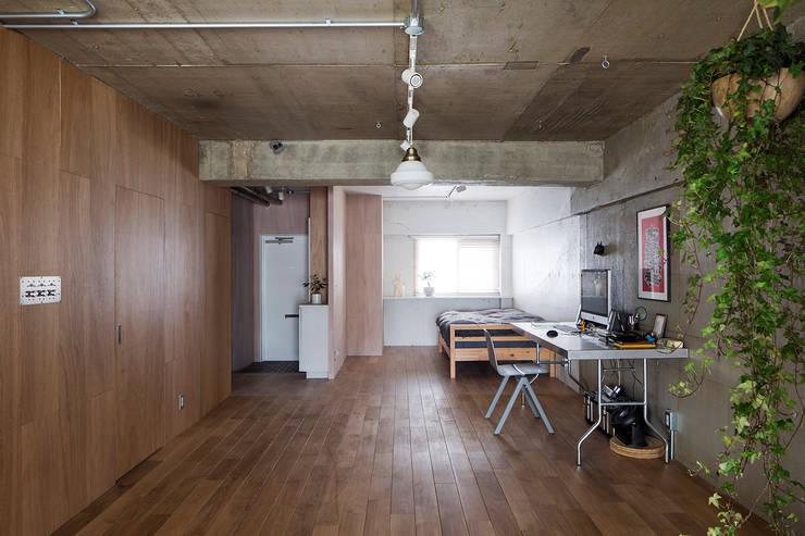Ruang Keluarga by 松島潤平建築設計事務所 / JP architects