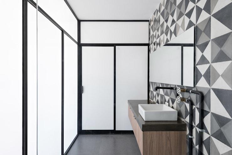 Bathroom by Proyecto Cafeina