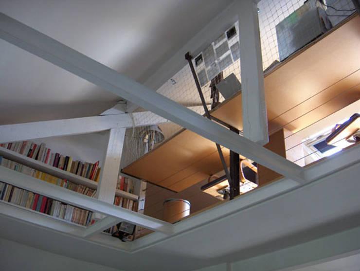 Estudios y despachos de estilo  de SARL BOURILLET ET ASSOCIES