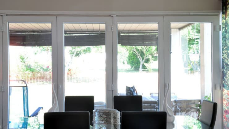Dining room by Casas Cube