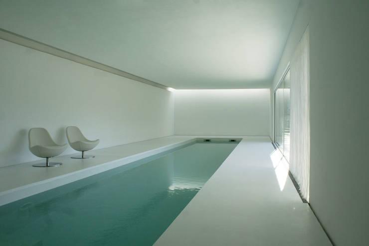 Piscinas modernas por Dario Castellino Architetto