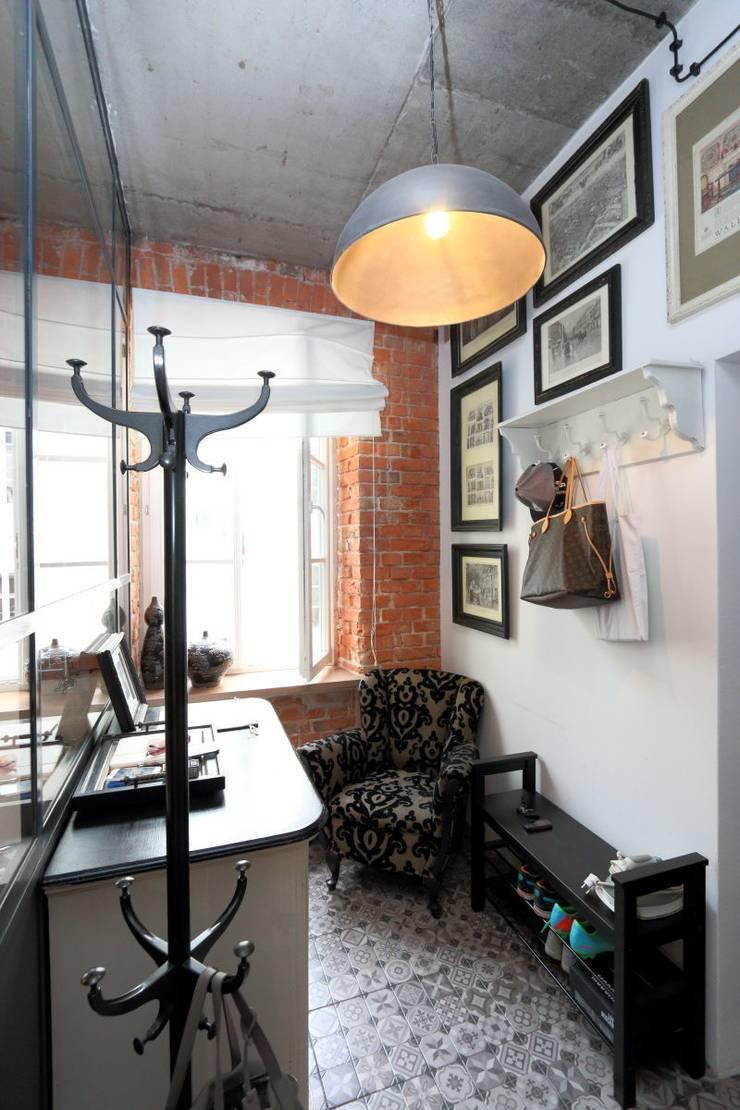 loft Warszawa: styl , w kategorii Korytarz, przedpokój zaprojektowany przez livinghome wnętrza Katarzyna Sybilska
