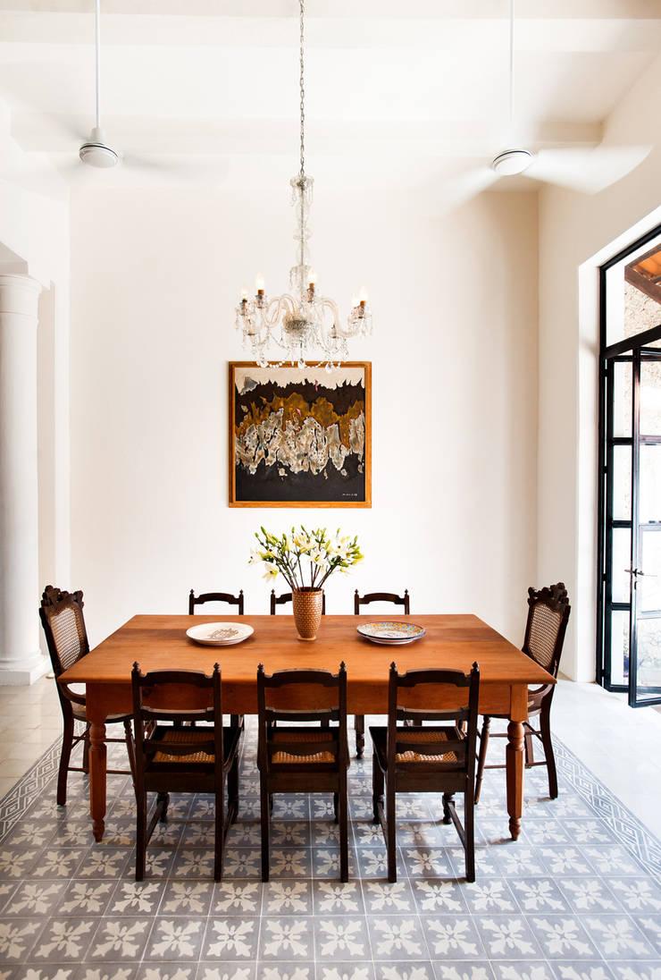 Casa GC55: Comedores de estilo  por Taller Estilo Arquitectura
