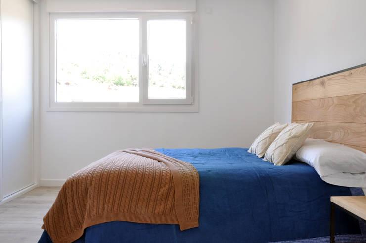 Phòng ngủ by Casas Cube