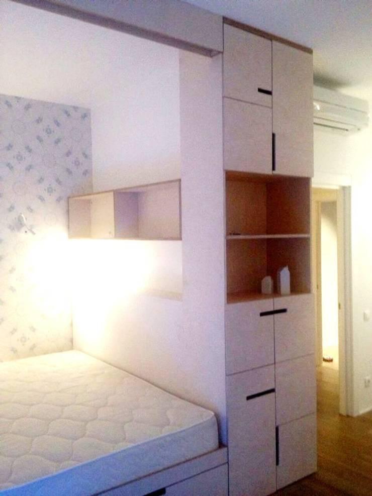 Спальня из фанеры: Спальная комната  в . Автор – Мебельная компания FunEra. Изготовление мебели из фанеры на заказ. http://www.fun-era.ru