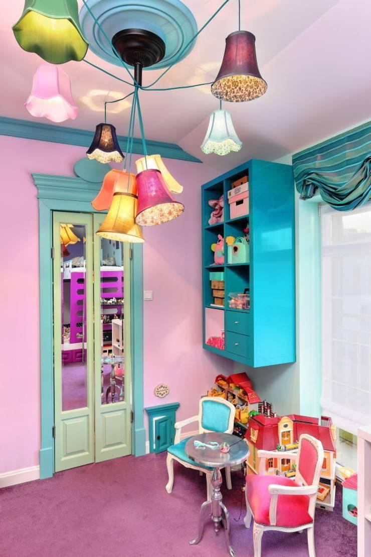 BAJKOWO I KOLOROWO W SYPIALNI DZIECIĘCEJ: styl , w kategorii Sypialnia zaprojektowany przez livinghome wnętrza Katarzyna Sybilska,