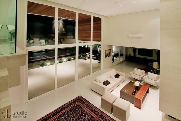 modern Houses by Studio Gilson Barbosa