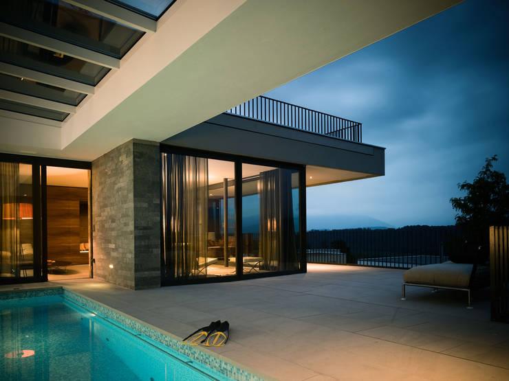 Transparenz, outside in:  Terrasse von Müller & Truniger Architekten ETH SIA
