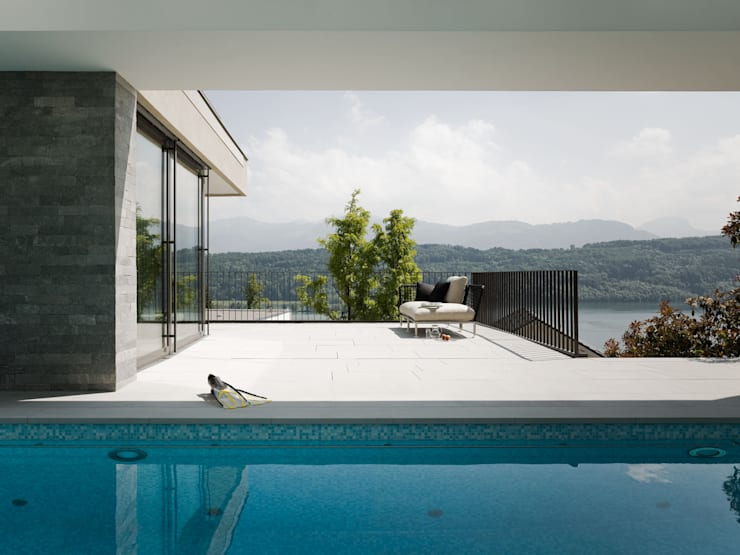Urlaub zuhause.:  Pool von Müller & Truniger Architekten ETH SIA