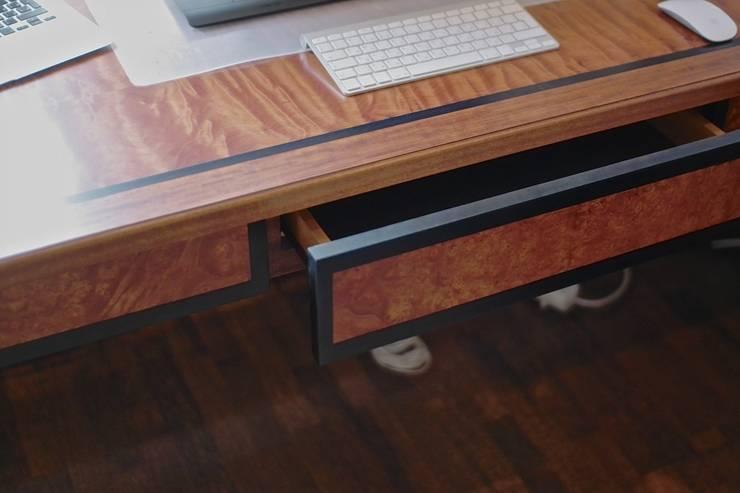 Стол в кабинет:  в . Автор – Мебельная мастерская Александра Воробьева, Лофт