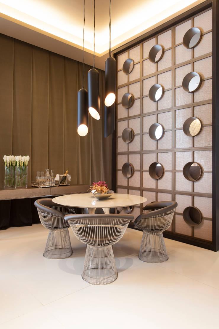 餐廳 by Denise Barretto Arquitetura, 現代風