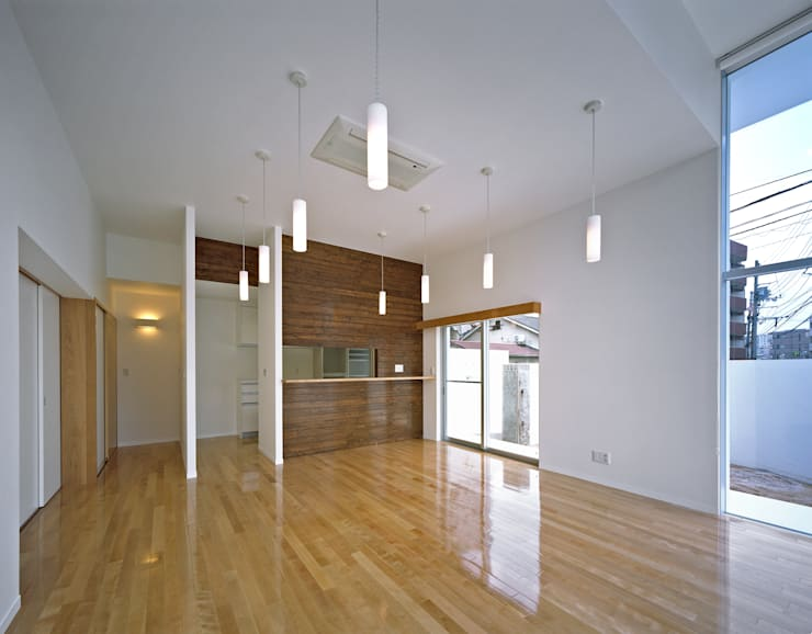 横川の家 モダンデザインの リビング の 中本一哉建築設計事務所 モダン