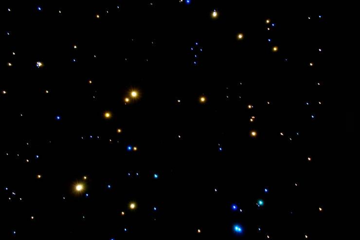 Wc Toiletten sterrenhemel plafond verlichting met glasvezel LED:   door MyCosmos, Landelijk
