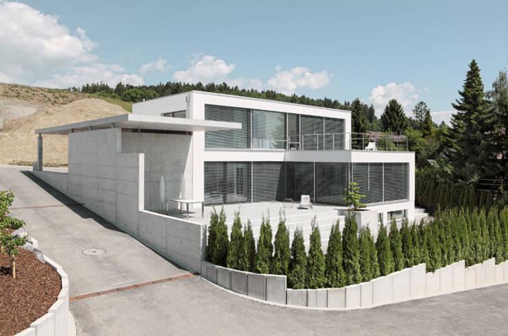 Einfamilienhaus im Schweizer Mittelland:  Häuser von Unica Architektur AG