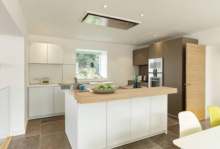 Kitchen: modern Kitchen by David Village Lighting