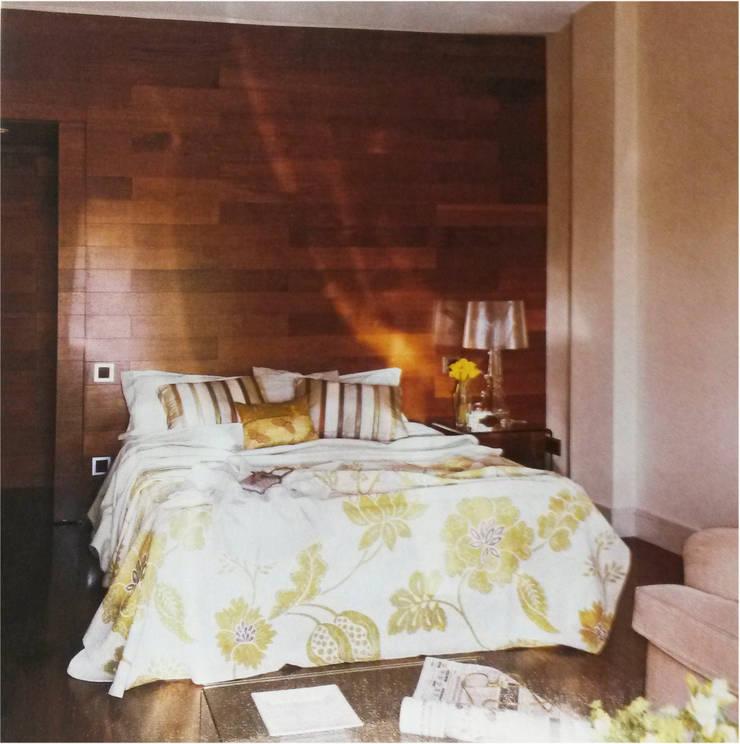 Dormitorio principal: Dormitorios de estilo moderno de DE DIEGO ZUAZO ARQUITECTOS