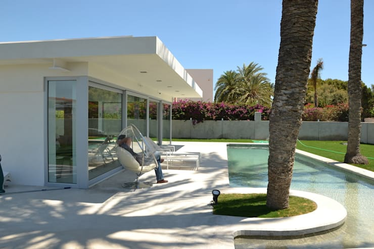 Exterior: Casas de estilo moderno de Alicante Arquitectura y Urbanismo SLP