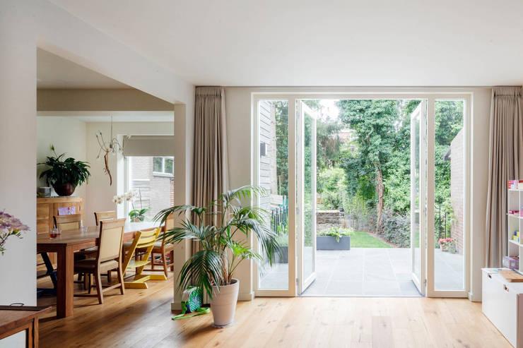 Uitbreiding Woonhuis Maastricht: modern  door Architectenbureau beckers, Modern