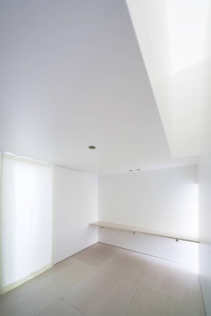 SHABON: 株式会社カワイ設計工房が手掛けた寝室です。