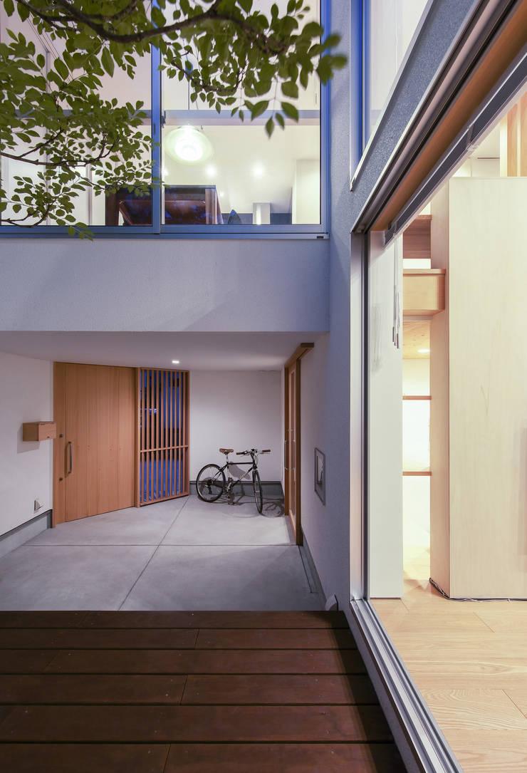 Terrasse de style  par プラスアトリエ一級建築士事務所,