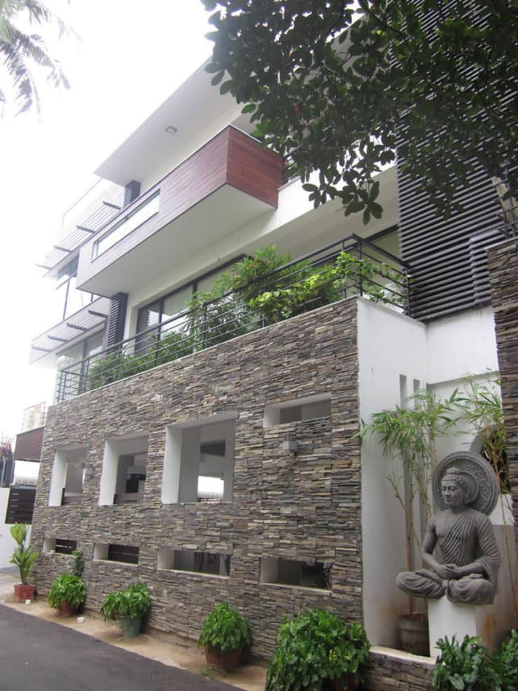 VIJAYA RESIDENTIAL APPARTMENTS:  Houses by Muraliarchitects