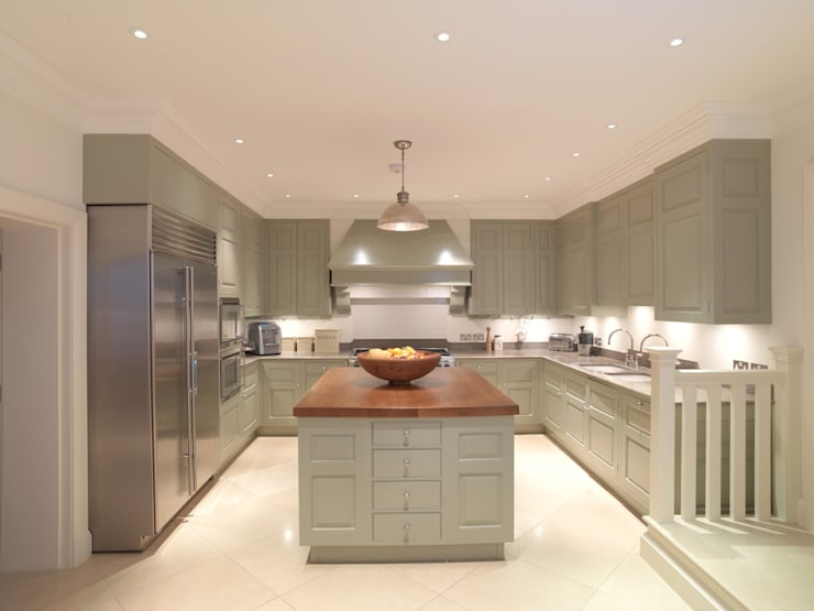 Chelsea Kitchen designed and made by Tim Wood: classic Kitchen by Tim Wood Limited