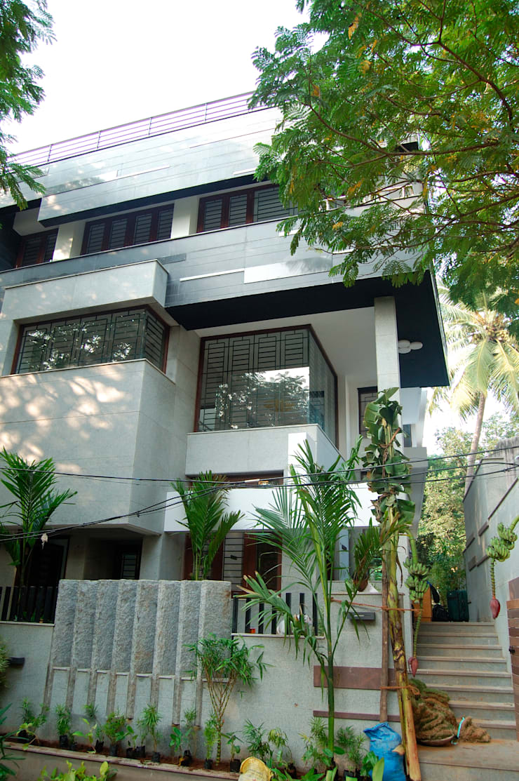DR.HARIHARAN RESIDENCE:  Houses by Muraliarchitects