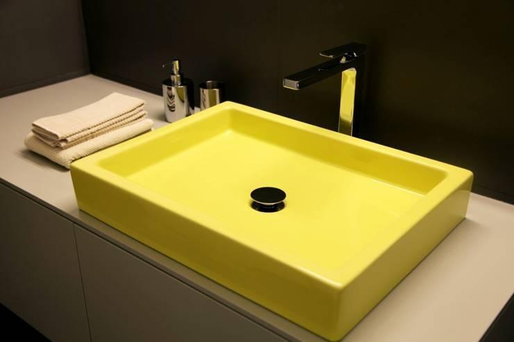 modern Bathroom by TAU ARCHITETTURA