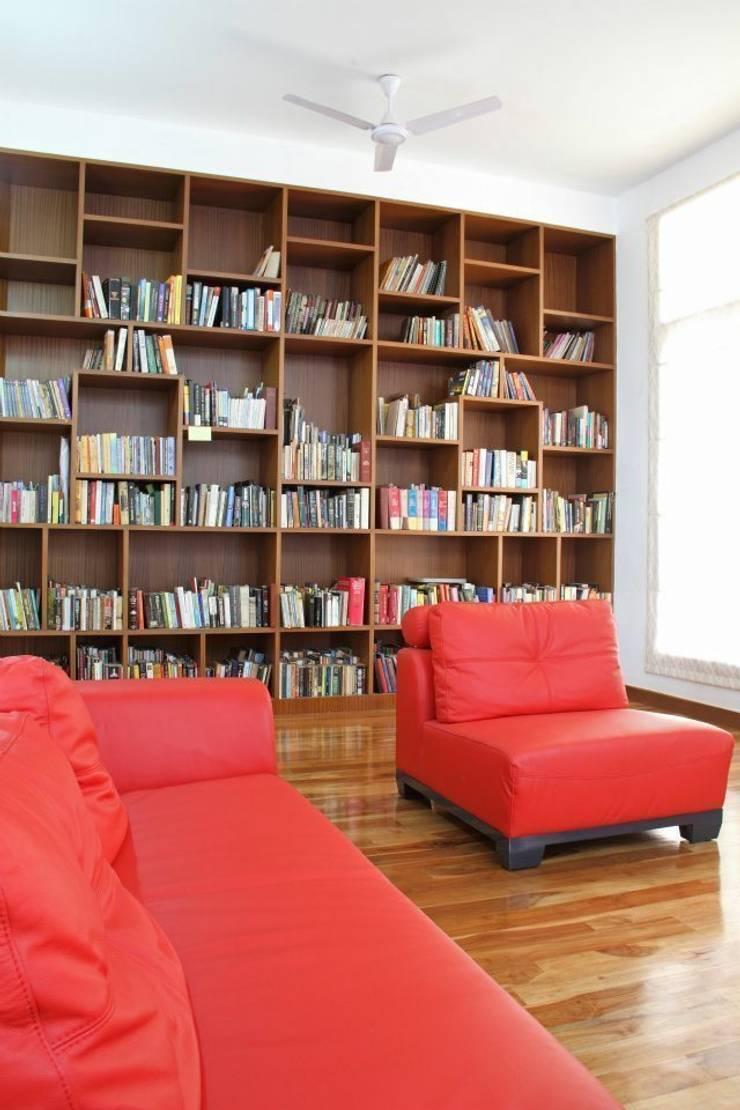 3G HOUSE – UMA SURESH:  Study/office by Muraliarchitects,Modern
