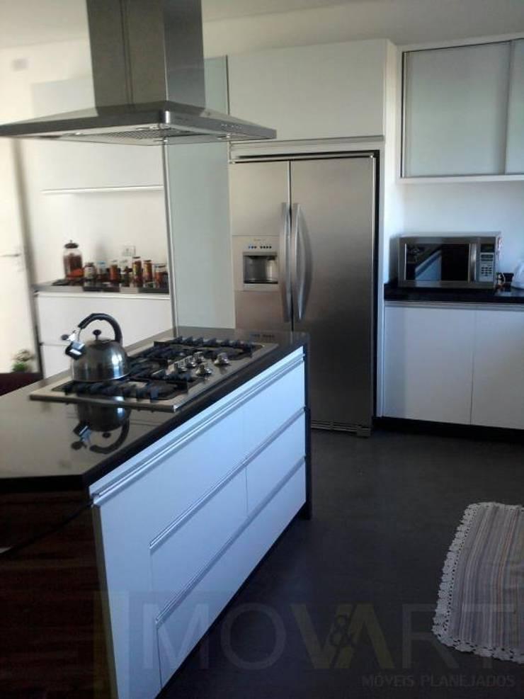 CASA LB: Cozinha  por DIOGO RIBEIRO arquitetura,