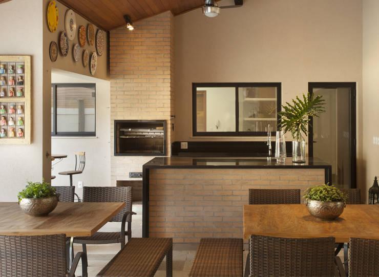 Terrazas de estilo  por Cria Arquitetura