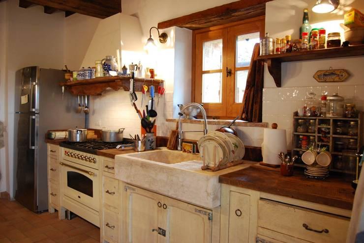Cucine country chic 10 idee da copiare - Accessori per cucina country ...