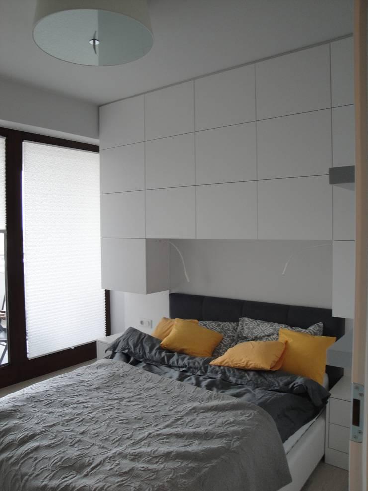 Mała sypialnia: styl , w kategorii Sypialnia zaprojektowany przez ,,Goya Art'' Małgorzata Świderska,