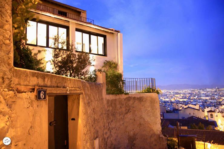 Réhabilitation de maison individuelle: Maisons de style de style Moderne par Julie Le Goff