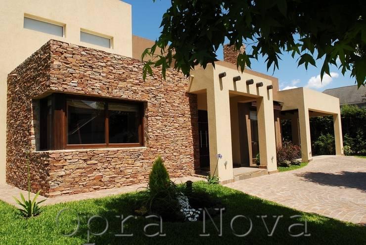 บ้านและที่อยู่อาศัย by Opra Nova - Arquitectos - Buenos Aires - Zona Oeste