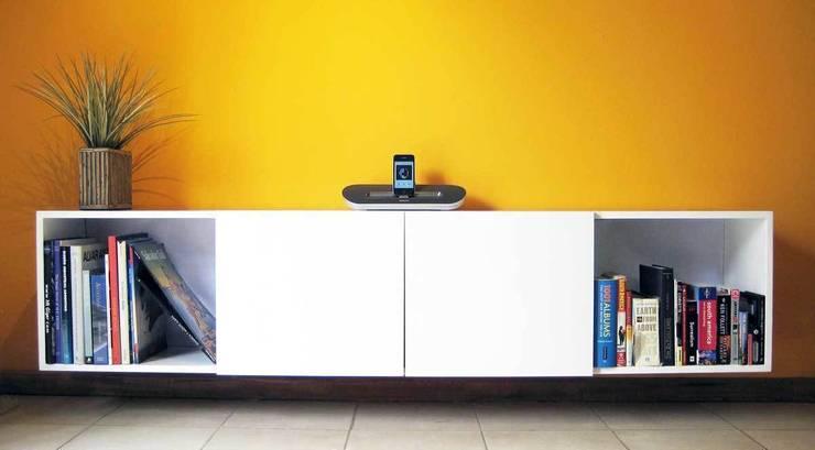 Proyectos de interiores varios: Livings de estilo  por ZYX estudio