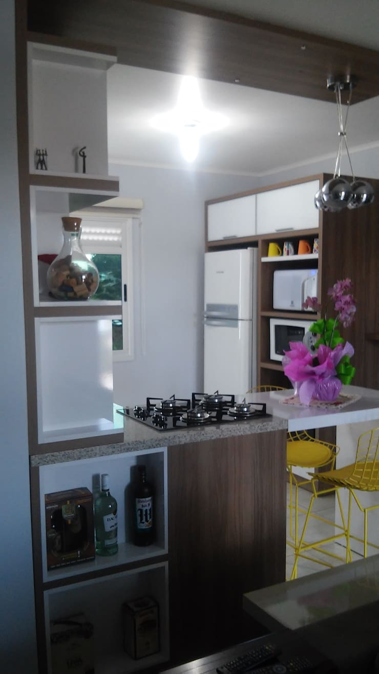Apartamento: Cozinhas  por Daiana Pasqualon Arquitetura & Lighting,