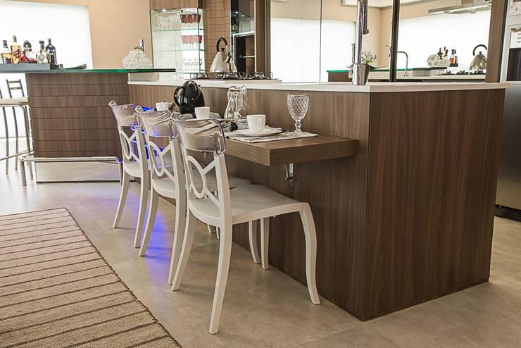 Bancada Cozinhas modernas por Élcio Bianchini Projetos Moderno