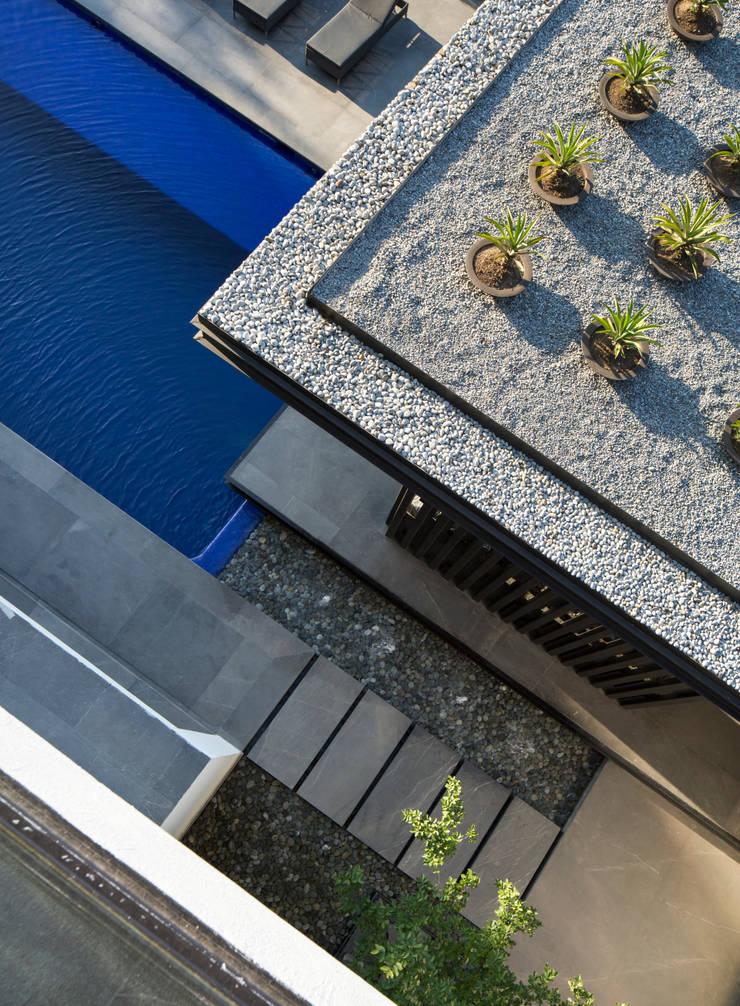 Casa MT Jardines modernos de GLR Arquitectos Moderno