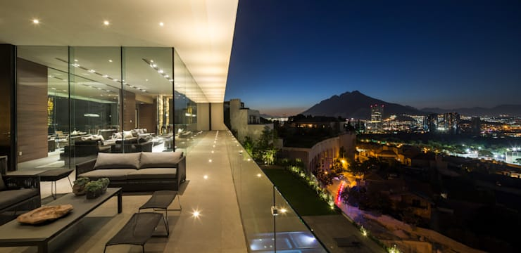 Casa MT Balcones y terrazas modernos de GLR Arquitectos Moderno