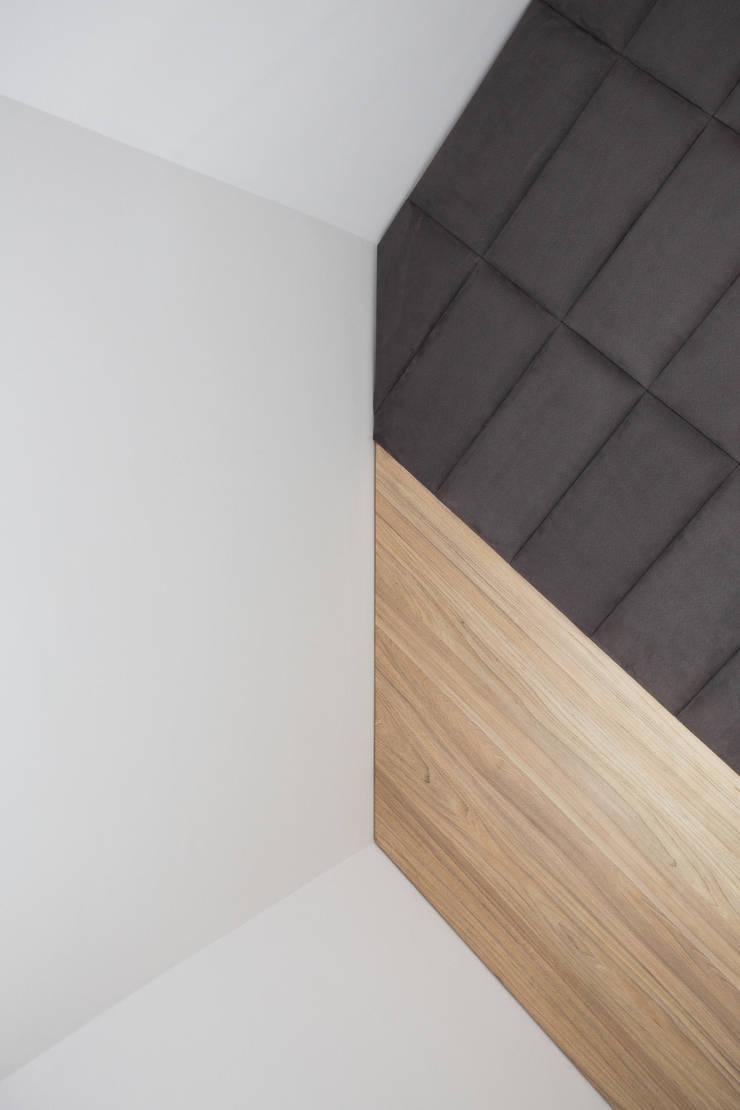 Mieszkanie w Warszawie/ IN PRACOWNIA: styl , w kategorii Sypialnia zaprojektowany przez www.niewformie.pl