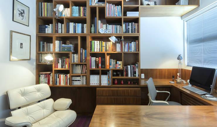 Apartamento Ministro Godói: Escritórios  por Natalia Necco Arquitetura